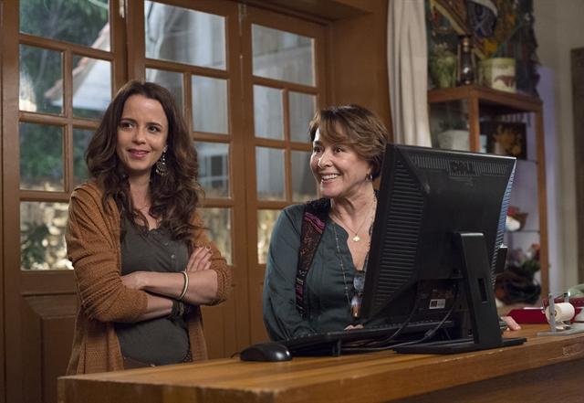 Severa (Dani Barros) e Zilda (Nivea Maria) (Foto: Globo/Estevam Avellar)