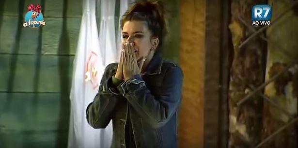 Mara Maravilha aparece desesperada (Foto: Reprodução / R7)