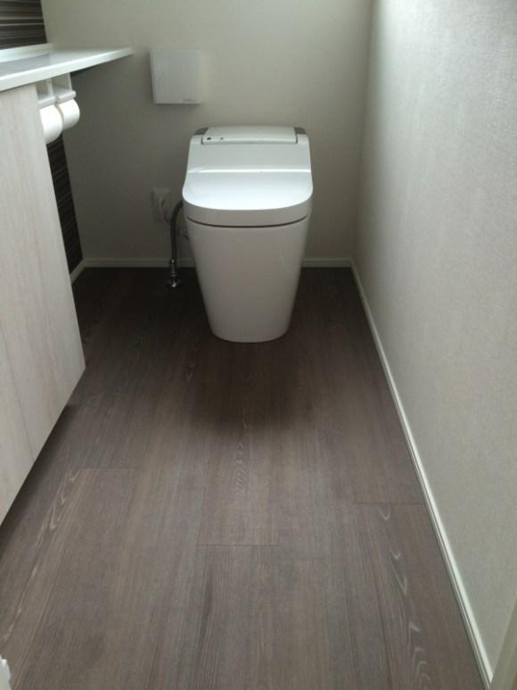 1階トイレの床