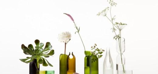 カットの位置、素材、色。瓶を加工してできあがった美しい花瓶「tranSglass」