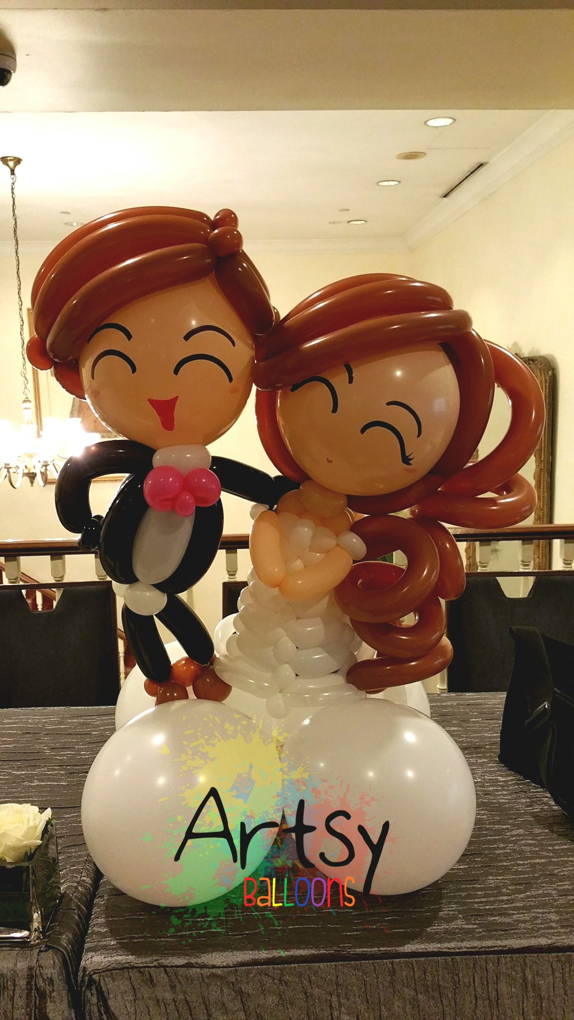 , A sweet and blissful wedding balloon decoration – Wedding couple balloon table display, Singapore Balloon Decoration Services - Balloon Workshop and Balloon Sculpting