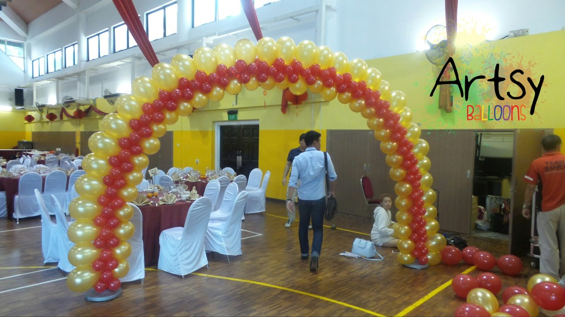 , CNY balloon decoration for SMRT, Singapore Balloon Decoration Services - Balloon Workshop and Balloon Sculpting
