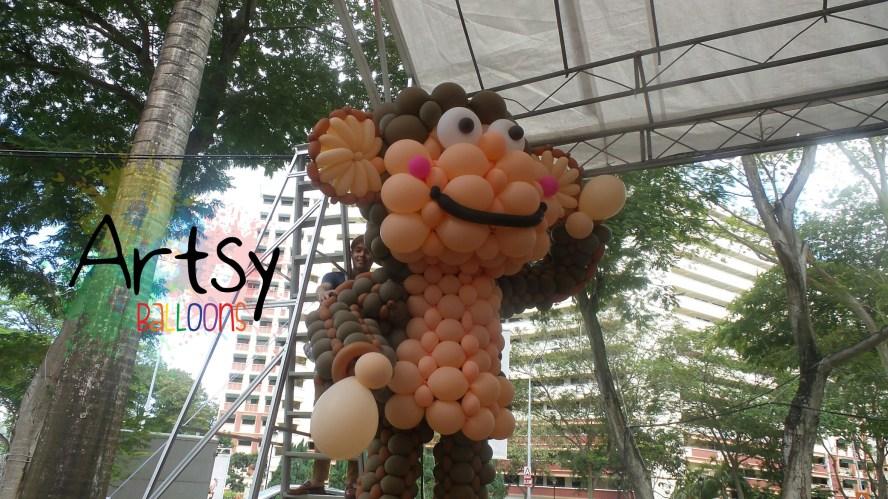 , Artsyballoons large project – 3 meter tall balloon monkey!, Singapore Balloon Decoration Services - Balloon Workshop and Balloon Sculpting