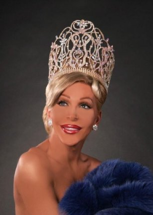 Danielle Hunter - Miss Continental 2000