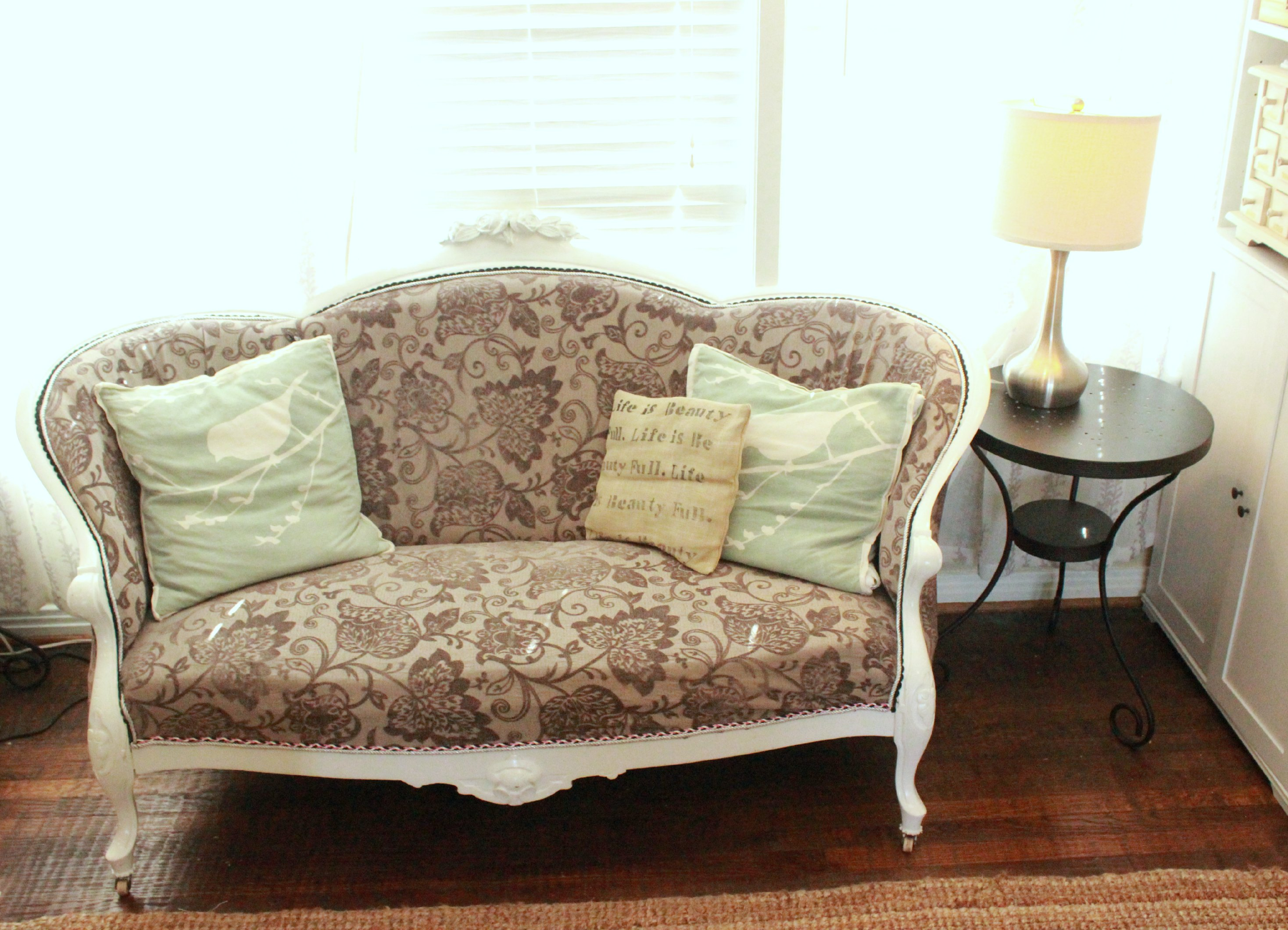 Couch Shabby Chic Shabby Chic Couch