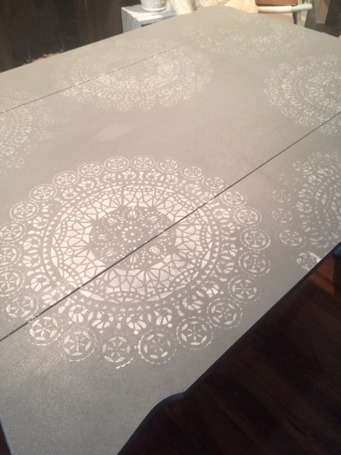 Thrift_Store_Decor_Upcycle_Stenciled_Table