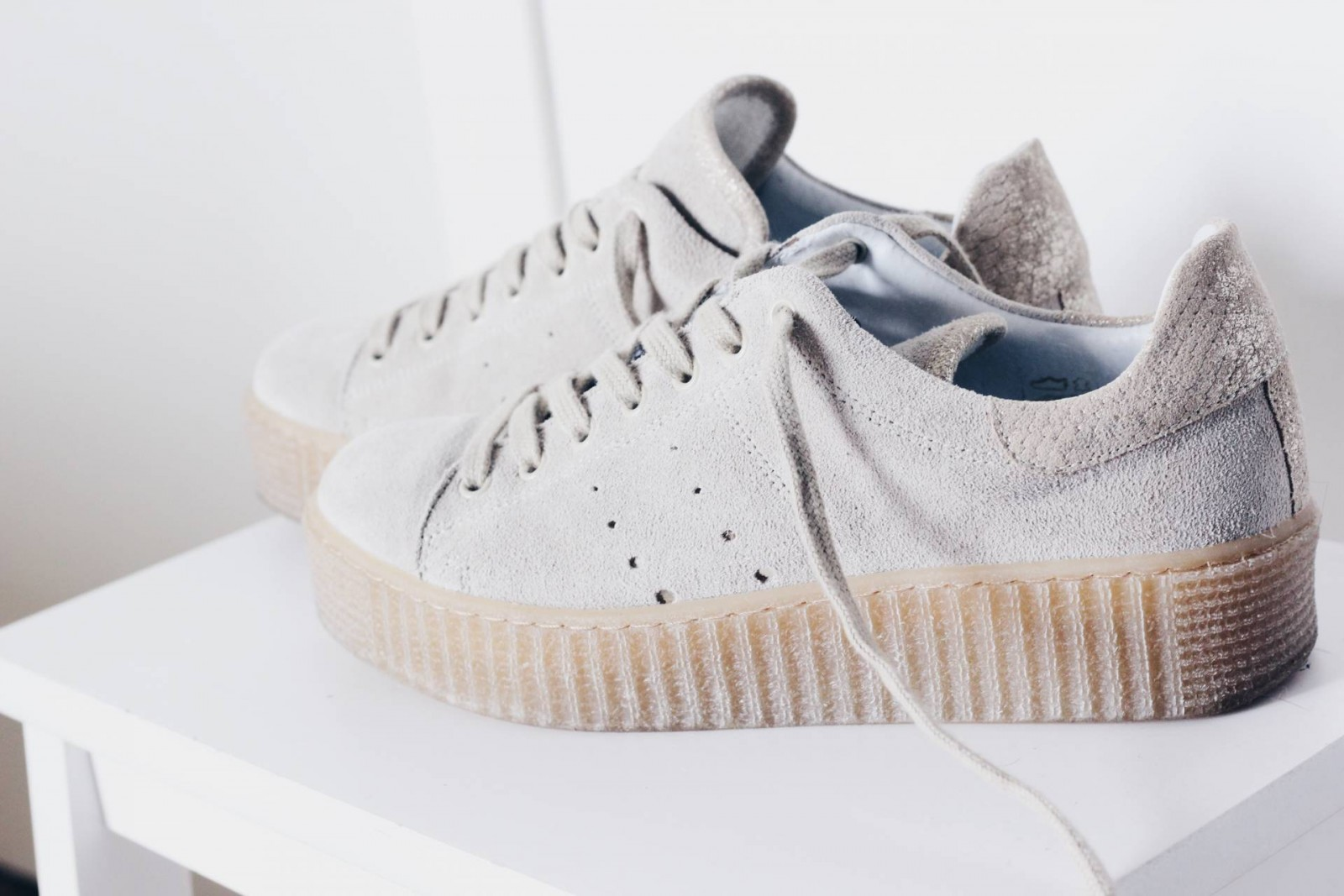 Witte Gympen New In Look A Like Rihanna For Puma Creepers Ourfavourites