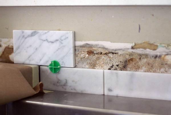 splash leaving ugly junk kitchen sink backsplash ideas ehow