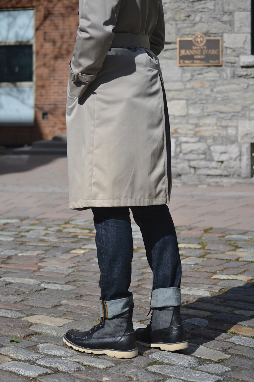 beige trench coat, sperry's boots, ottawa fashion, levi's jeans
