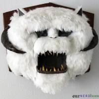 Wall-Mounted DIY Star Wars Wampa Head