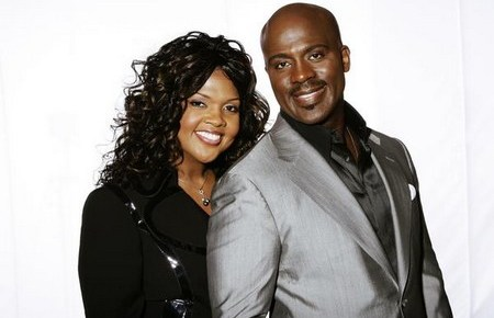 2/15/15 O&A Gospel Sunday: BeBe and CeCe Winans