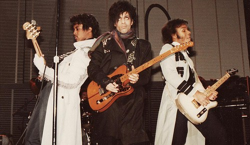 1/16/16 O&A NYC SATURDAY MORNING CONCERT: Prince – Controversy Tour At The Capitol Theatre On January 30, 1982 (rare footage)