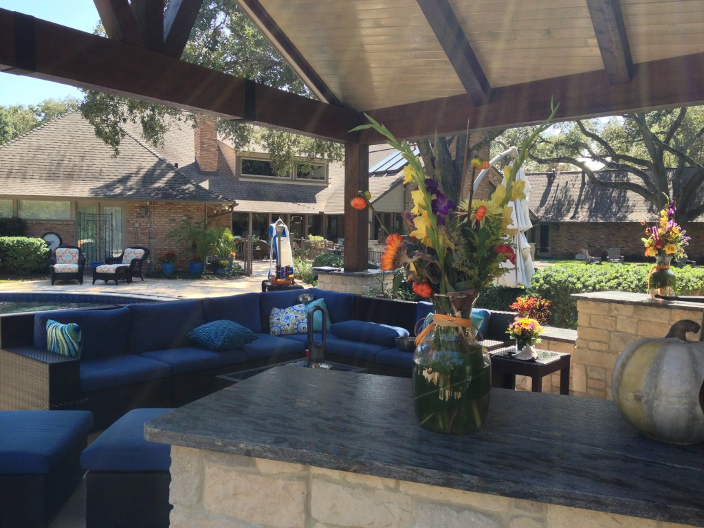 Houston Designer Shares Outdoor Decorating Ideas For Your
