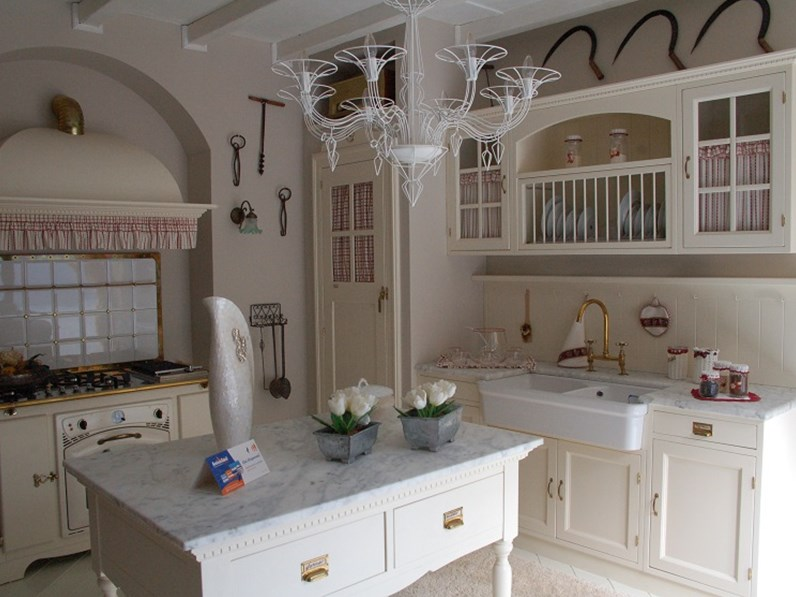 Cucina Country Old England | Black And White Cottage ...