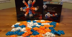 Bendable Lux Blox Encourage Imaginative Creation