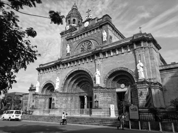 Манильский собор в монохромном режиме
