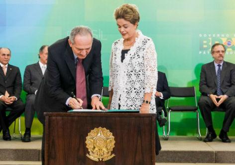 Cerimônia de posse de Aldo Rebelo (PCdoB) no Ministério da Defesa
