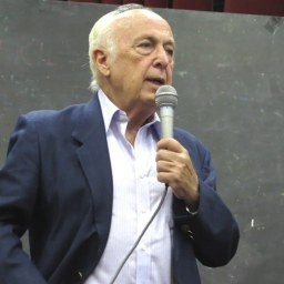 Bresser-Pereira: causas do golpe são os direitos sociais e trabalhistas