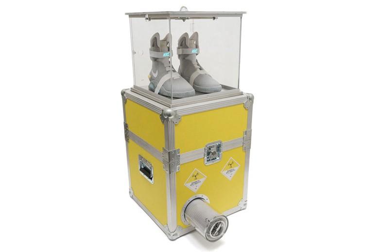 收藏家必备!传说球鞋 nike air mag 限量专属展示柜