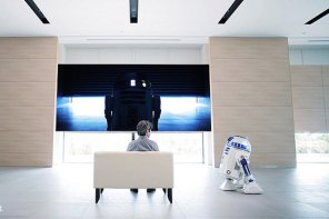 日本電器品牌 AQUA 發佈《星際大戰》經典角色 R2-D2 移動式冰箱