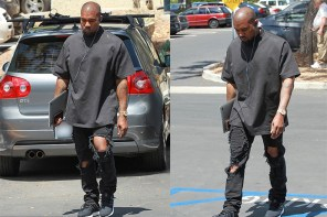 名人穿搭 / Kanye West 最愛的穿搭組合:「落肩 Tee + 破壞牛仔長褲 + adidas Ultra Boost」!