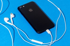 Apple 回應 iPhone 7 耳機線控問題:「可以先拔掉後再重新插入。」