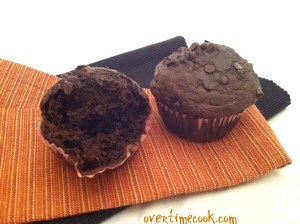 healthy-double-chocolate-chip-muffins