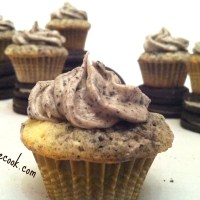 Mini Cookies And Cream Cupcakes