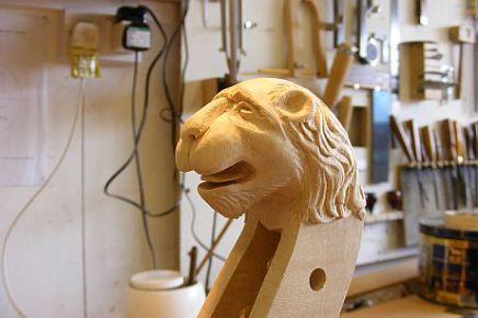 Lions head