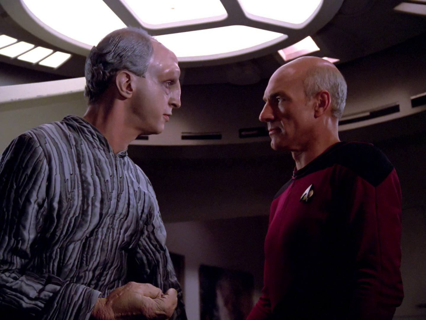 Traveler_tells_Picard_about_Wesley