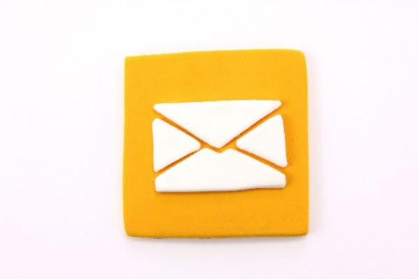 メールアイコンを表すクレイアート