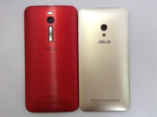Zenfone 2とZenfone 5を横に並べて大きさを比較した写真