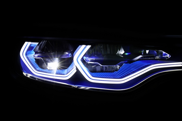 Bmw I8 Laser Headlights Awaiting Us Fda Approval Ledinside