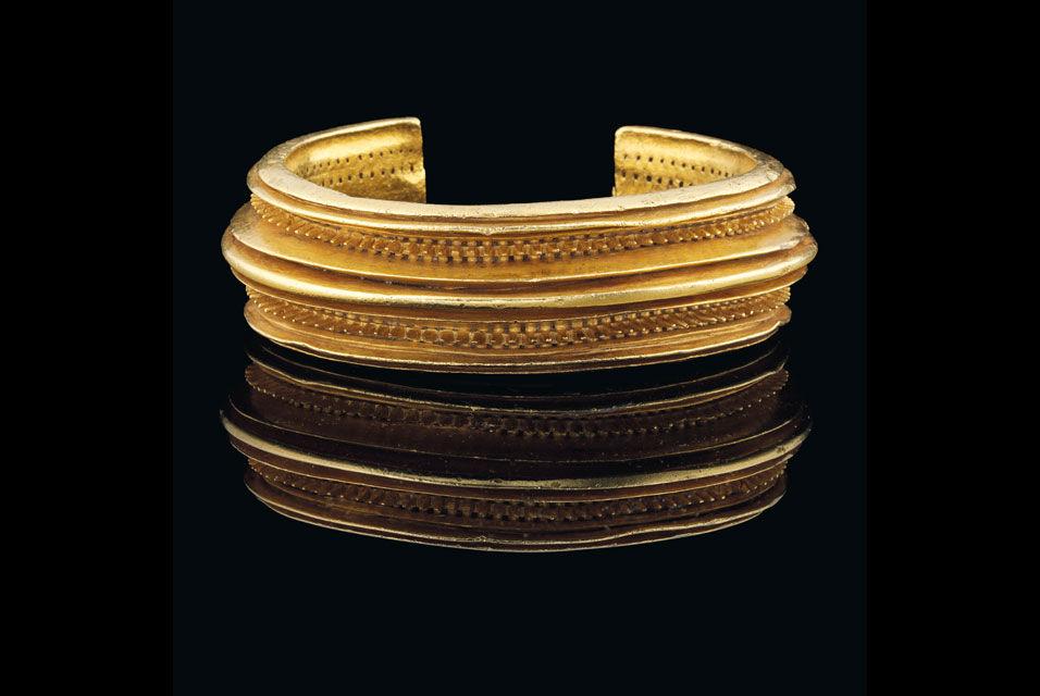 Realms Of Gold The Novel A Celtic Solid Gold Bracelet