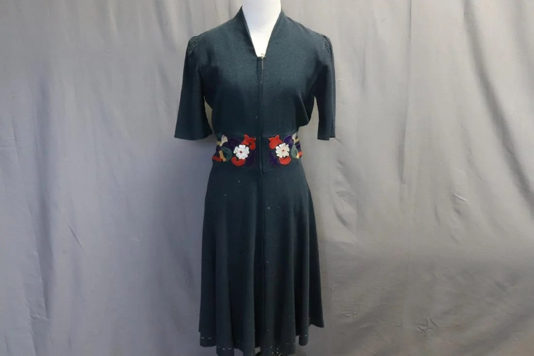 Appliques Vintage Vintage 1940 S Wool Dress With Appliques On Liveauctioneers