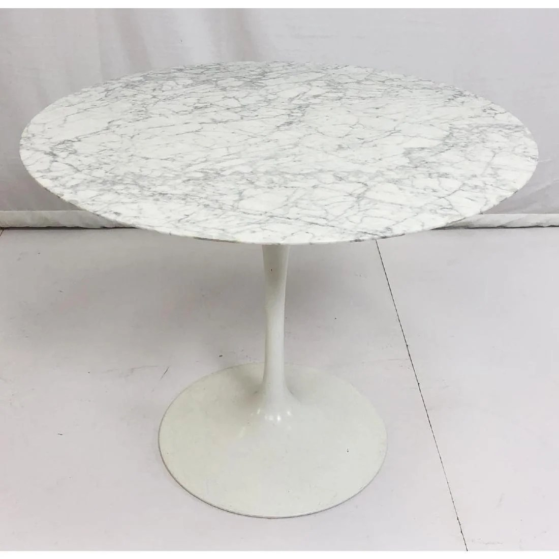 Saarinen Knoll Table Eero Saarinen For Knoll Marble Top Dining Table On Liveauctioneers