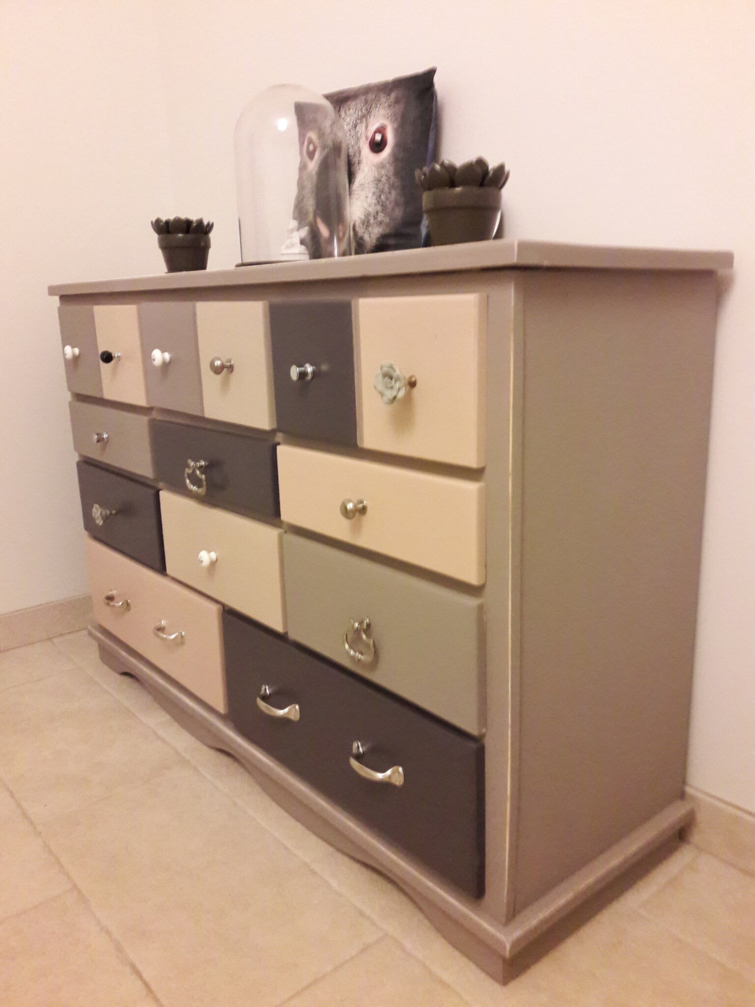 Relooker Vieille Armoire Relooker Une Commode Relooker Une Commode Une Bonne Astuce D Co