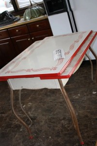 319: Vintage Enamel Kitchen Table : Lot 319