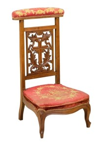 AN ANTIQUE FRENCH VICTORIAN PRIE DIEU PRAYER CHAIR : Lot 59