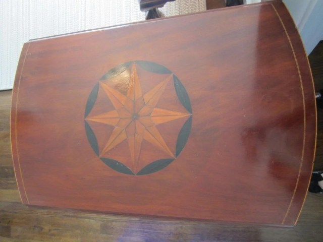 73: Federal Star-Inlaid Mahogany Pembroke Table