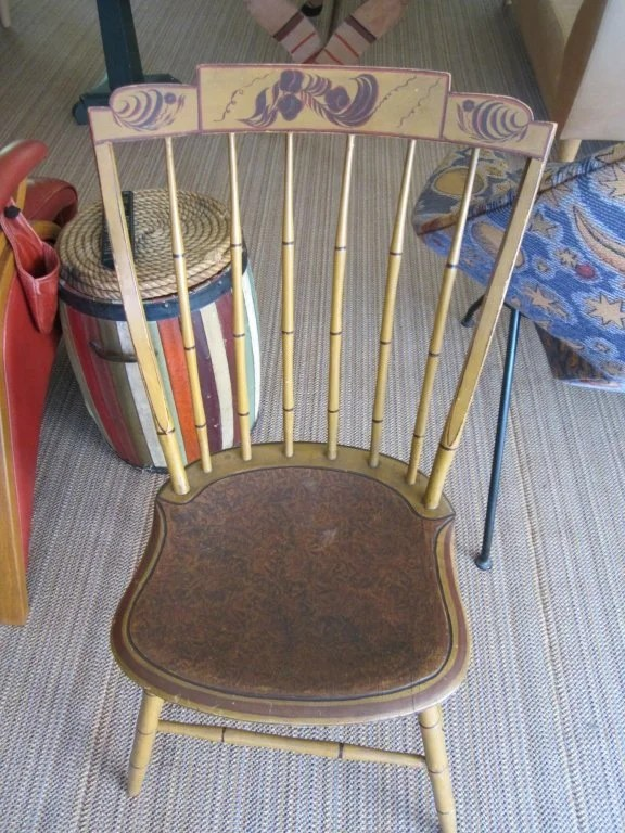 179:Four Painted and Decorated Step Down Windsor Chairs
