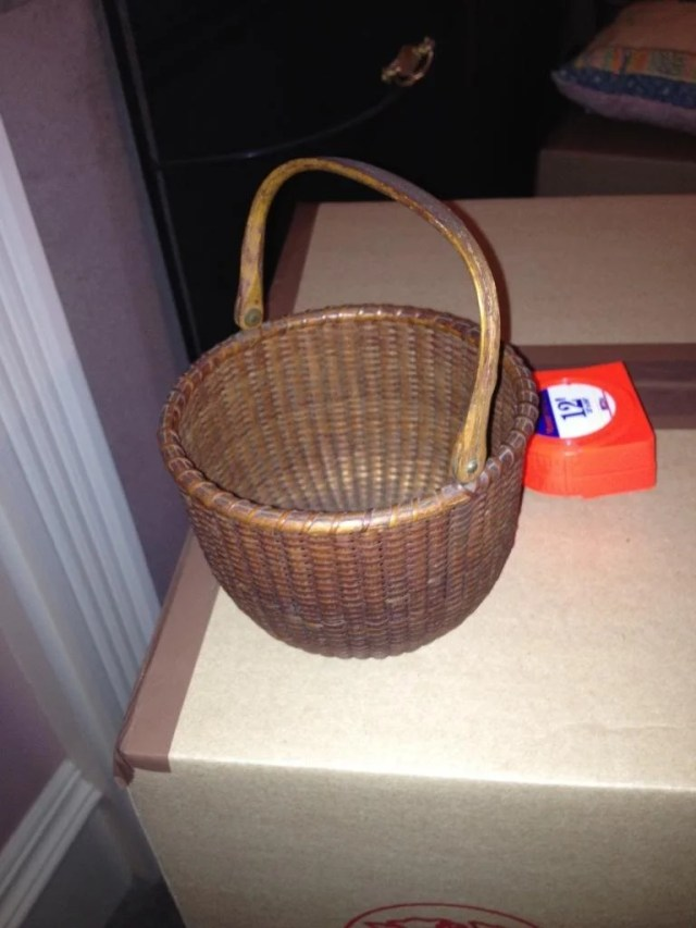 197: Nantucket Light Ship Basket with Swing Handle