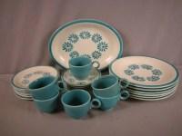 33: Fiesta HLC Casuals Hawaiian Daisy set of dinnerware ...