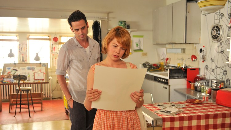 Luke Kirby og Michelle Williams i Take This Waltz (Foto: Tour de Force).