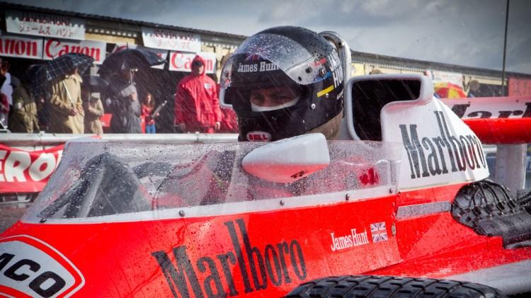 Tidsriktig Formel 1-utseende i Rush (Foto: Norsk Filmdistribusjon).