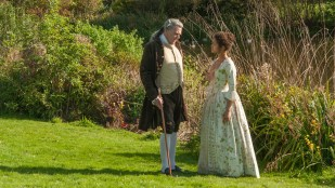 Lord Mansfield (Tom Wilkinson) og Dido Elizabeth Belle (Gugu Mbatha-Raw) i Belle (Foto: Tour de Force).