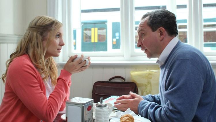 Joanne Froggatt og Eddie Marsan i Still Life (Foto: Arthaus).