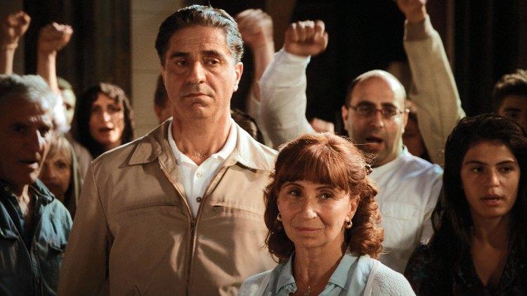 Hovannès Alexandrian (Simon Abkarian) og Anouch Alexandrian (Ariane Ascaride) mister sin sønn til terrorisme. Men mor gir ikke opp, og søker forsoning mellom sin sønn og et av hans offer. (Foto: Storytelling Media)