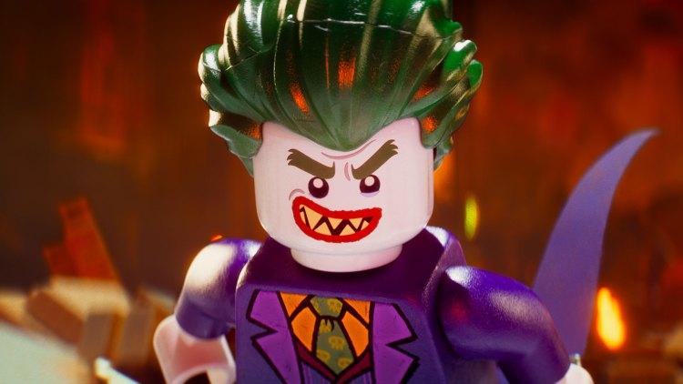 Joker forsøker å overbevise Batman om at de trenger hevrandre i Lego-Batman-filmen. (Foto: SF Studios).