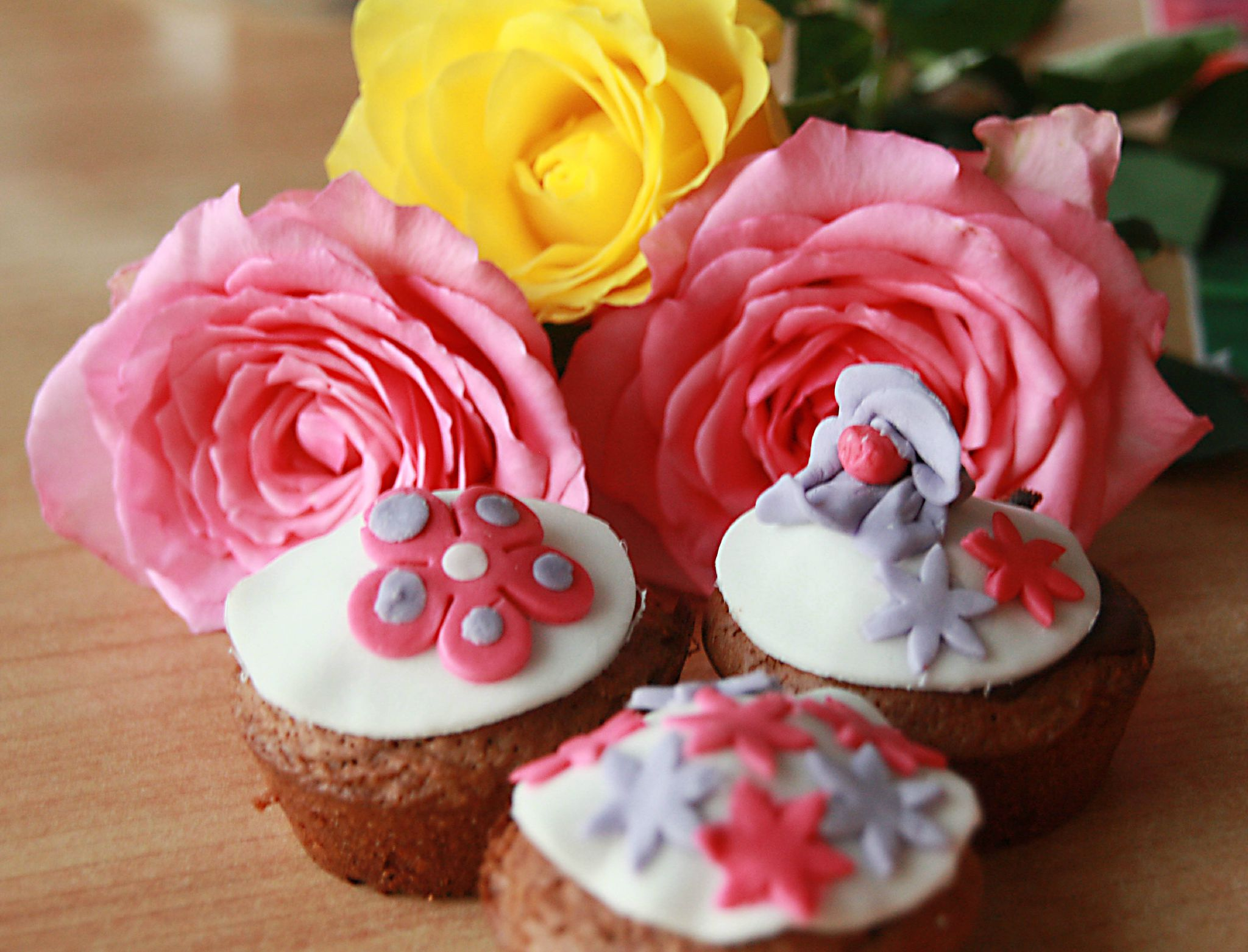 Decoration Pate A Sucre Cupcake Cup Cake Au Chocolat Atelier Saveurs And Couleurs
